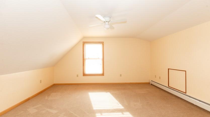 617C Fuller Rd bedroom