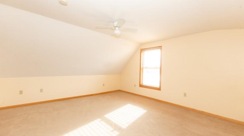 617C Fuller bedroom
