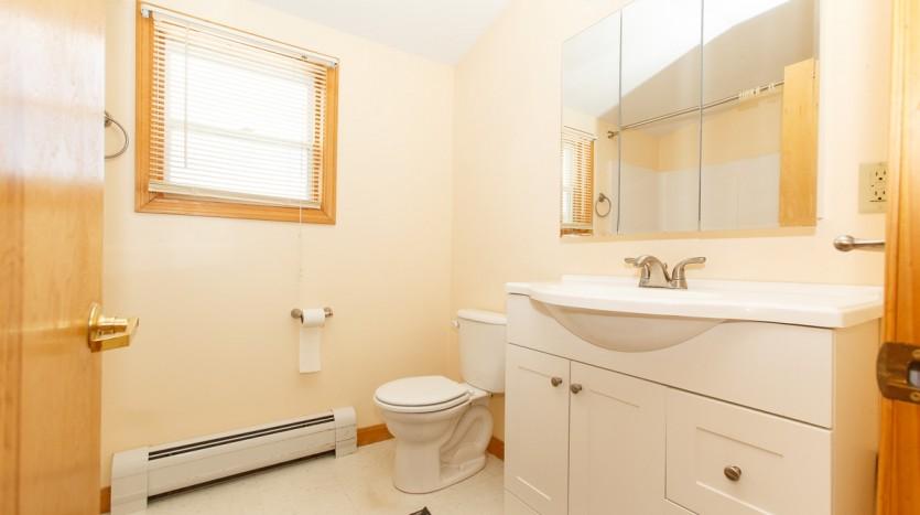 238B Emerson Mill bathroom
