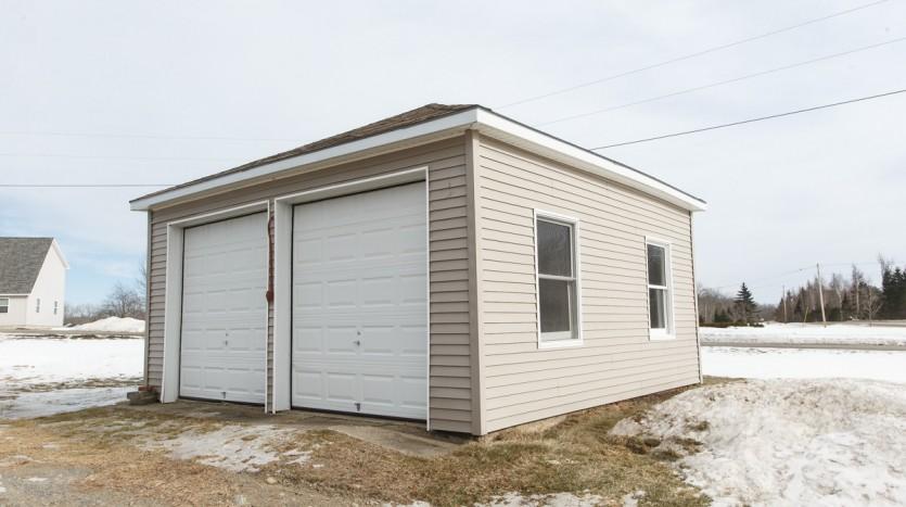 617 Fuller Rd garage