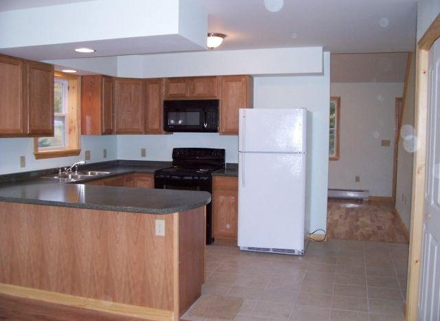 238 Emerson Mill kitchen