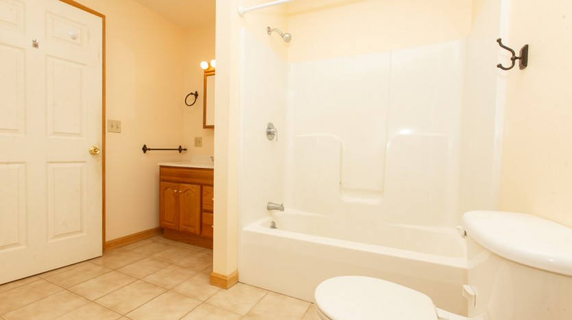617C Fuller Rd bathroom